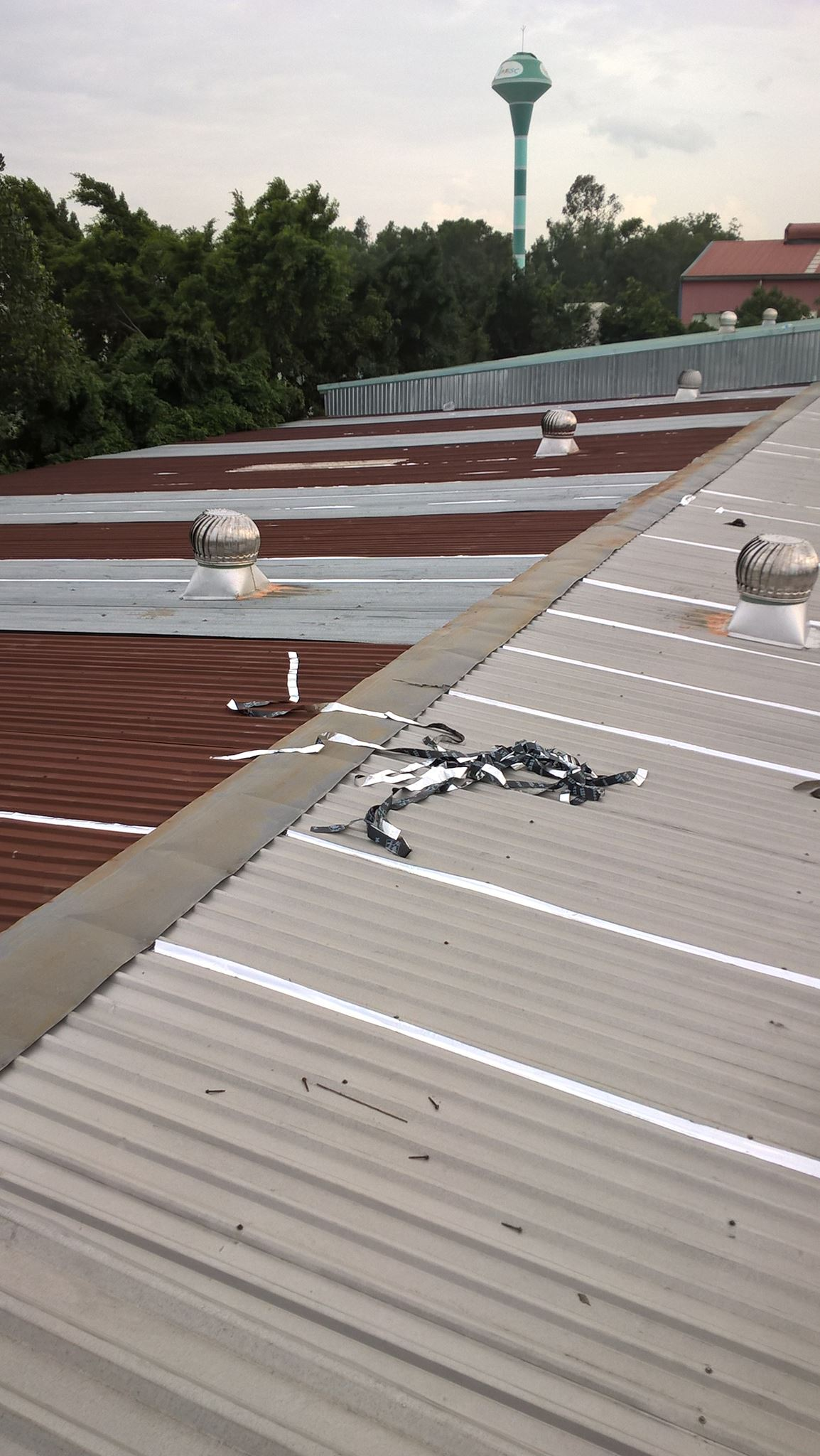 Thợ chống dột mái tôn tại quận 2 tphcm